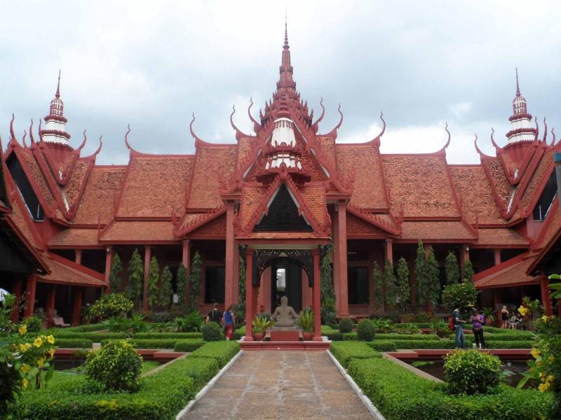 national-museum-phnom-penh-cambodia1